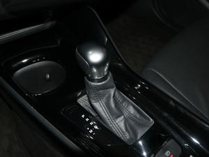 2018款2.0L 奕驰版 变速挡杆