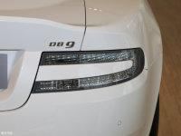 细节外观DB9尾灯