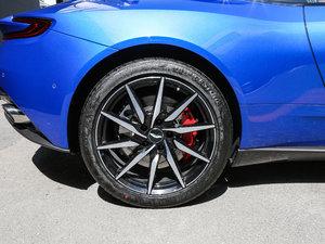 2017款5.2T V12 轮胎