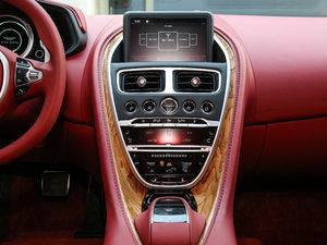 2017款5.2T V12 中控台