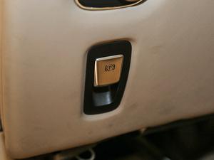 2017款5.2T V12 驻车制动器