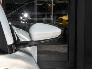 2019款V8 Volante 后视镜