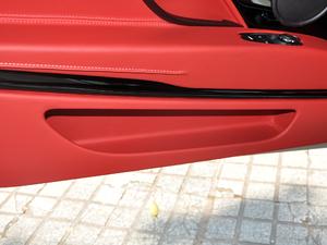 2019款V8 Volante 车门储物空间