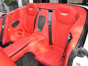 2019款V8 Volante 后排座椅