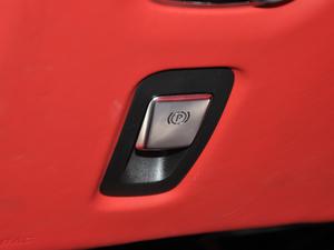 2019款V8 Volante 驻车制动器