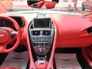 2019款V8 Volante 中控台