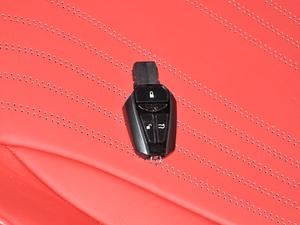 2019款V8 Volante 钥匙