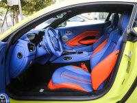 空间座椅V8 Vantage前排空间