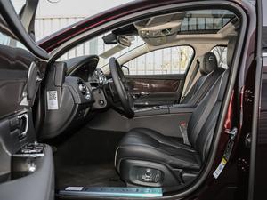 2018款L 3.0T 两驱全景商务版 前排空间