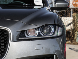 2019款2.0T 四驱R-Sport运动版 头灯