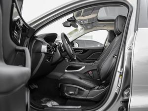 2019款2.0T 四驱R-Sport运动版 前排空间