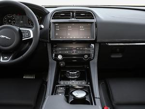 2019款2.0T 四驱R-Sport运动版 中控台