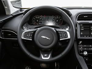 2019款2.0T 四驱R-Sport运动版 方向盘