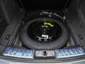 2019款2.0T 四驱R-Sport运动版 备胎