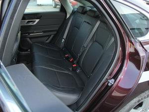 2016款3.0T 两驱风华版 后排座椅