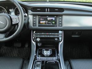 2016款3.0T 两驱风华版 中控台