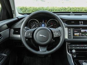 2016款3.0T 两驱风华版 方向盘