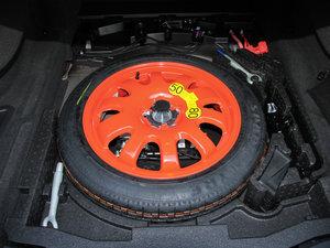 2016款3.0T 两驱风华版 备胎