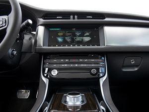 2016款30d Diesel Portfolio 中控区