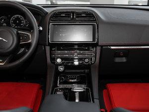 2018款3.0 SC 四驱R-Sport运动版 中控台