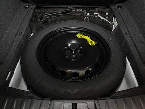 2018款3.0 SC 四驱R-Sport运动版 备胎