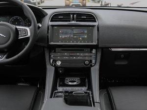 2018款3.0 SC 四驱S高性能版 中控台