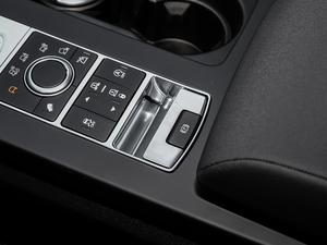 2019款3.0 V6 SE 驻车制动器