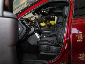 2017款3.0 V6 HSE 前排空间