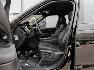2017款3.0 V6 S 前排空间
