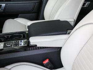 2017款3.0 V6 首发限量版 前排中央扶手