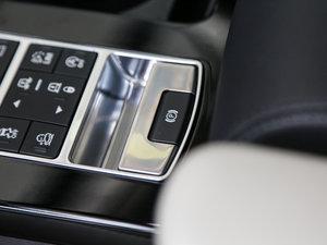 2017款3.0 V6 首发限量版 驻车制动器