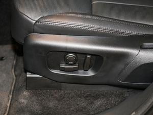 2017款3.0 V6 SE 座椅调节