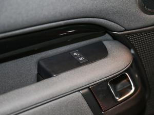 2017款3.0 V6 SE 空间座椅