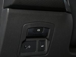 2017款P250 S 驻车制动器