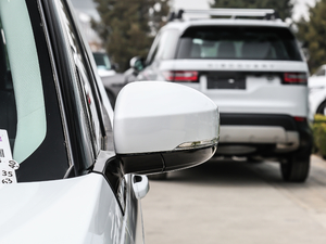 2018款3.0L V6 SE 后视镜