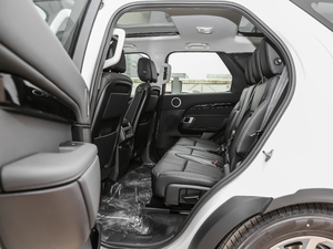 2018款3.0L V6 SE 后排空间