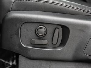 2018款3.0L V6 SE 座椅调节