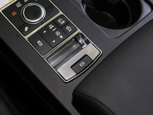2018款2.0T SE 驻车制动器