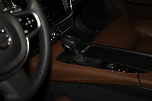 2019款T5 AWD 智尊版 变速挡杆