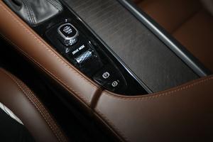 2019款T5 AWD 智尊版 驻车制动器