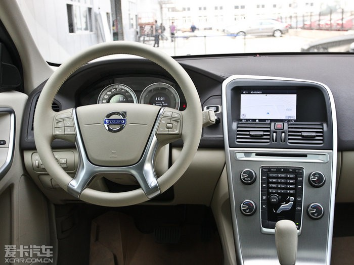 2012款沃尔沃XC60图片 空间座椅图片 891424