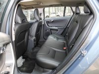 空间座椅沃尔沃V60后排空间