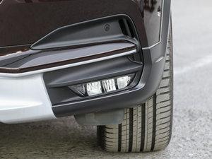 2017款2.0T T5 AWD 至尊版 雾灯