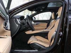 2017款2.0T T5 AWD 至尊版 前排空间
