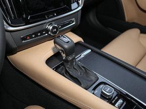 2017款2.0T T5 AWD 至尊版 变速挡杆