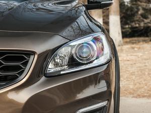 2017款2.0T T5 AWD 头灯