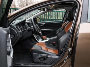 2017款2.0T T5 AWD 前排空间