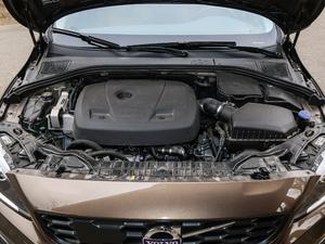 2017款2.0T T5 AWD 发动机