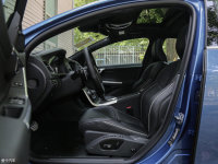 空间座椅沃尔沃S60前排空间