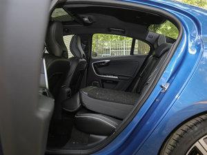 2017款2.0T T5 个性运动版 后排座椅放倒